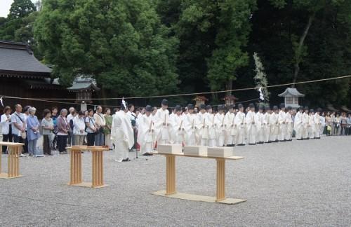◆昨年の夏越大祓の様子。多くの方にご参列いただきました。