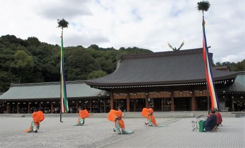◆新嘗祭では外院の斎庭にて、久米舞も奏されました